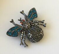 Vintage Bee Brooch in gold tone metal with crystals