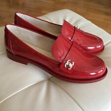 NEW WOMENS CHANEL RED PATENT LEATHER LOAFERS FLATS SIZE 38,5C SILVER TONE LOGO