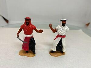 Timpo Plastic Figures 2 x Arabs on foot