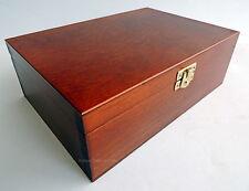 NUEVO hecho a mano marrón Madera Caja para piezas de ajedrez