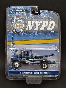 Greenlight 1/64 International Durastar 4400 Tow Truck _ NYPD