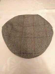 Child's Tweed Cap.