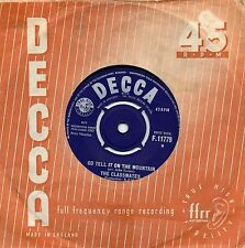 CLASSMATES    GO TELL IT ON THE MOUNTAIN / GIVE ME A GIRL  UK DECCA  60s POP