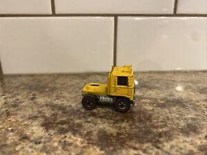 Rare Hot Wheels Mattel Redline 1973 Road King Yellow Cab MT. Mining Semi-truck Y