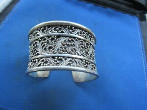 VINTAGE RARE STERLING SILVER LOIS HILL INDONESIA CUFF DOTTED DESIGN BRACELET