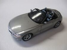 WELLY 1:24 SCALE BMW Z4 DIECAST CAR MODEL W/O BOX