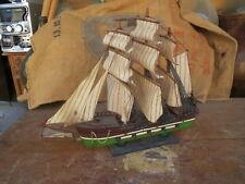Ancienne maquette bateau ancien voilier peche naval  4 mats caravelle marine