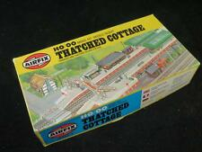 AIRFIX HO/OO MODEL RAILWAY KIT Thatched Cottage Unmade in Type 6 Box