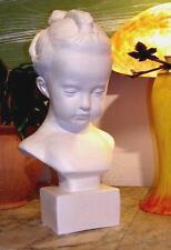 Buste en plâtre petite fille à la natte de Pigalle 2024
