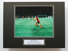 "Alan Kennedy Liverpool 1984 Euro Copa Firmado Autógrafo Certificado De Autenticidad montaje de fotos de 16"" X 12"""