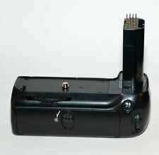 NIKON MB-D80  MULTI POWER BATTERY GRIP FOR D80,D90 .EXCELLENT++ & TESTED