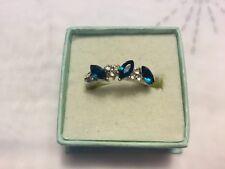 1 x Silver Tone Ring/Emerald Green Colour/Diamante Coloured Stones/approx Size J