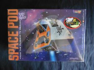 Lost in Space Space pod  model kit 1:25 6722  (T3) sealed Moebius Models