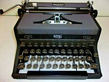 ROYAL QUIET DELUXE PORTABLE TYPEWRITER 1948 A-1533515, TOMBSTONE KEYS, EXCELLENT