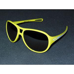New Oakley Twentysix,2 Sunglasses Sunflower/Black Iridium 26 Twenty Six Yellow