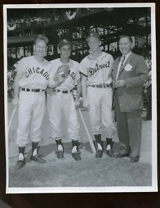 Original Bob Olen 8 X 10 Photo With Luis Aparicio Nellie Fox Al Kaline