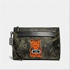 Arrival Coach Pouch With Camo Print and Vandal Gummy F76860