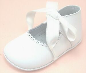 DE OSU - Baby Girls White Leather Dress Pram Crib Bow Shoes - European -Size 0-4