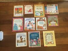Lot of 11 TOMIE DePAOLA Children's Books Christmas