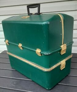 Vintage UMCO 3500-U Huge Possum Belly Tackle Box! *Carries everything plus some!