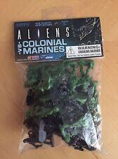 "Aliens ""Aliens vs Colonial Marine Army Builder 35 Count"" Bag Multi-Colour"