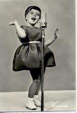 Avvincente Bambina con Microfono EIAR Musica Mina PC Circa 1960 Real Photo