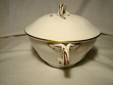 English Softpaste Porcelain Entwined Twig Handles Covered Bowl c1790-1800