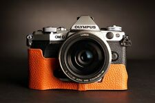 Genuine Vera Pelle Mezza Custodia Borsa per fotocamera Olympus OM-D E-M5 EM5 Arancione II