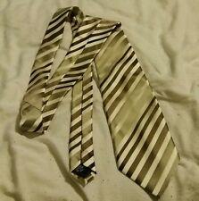 tie (george)