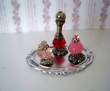1:12  Miniatur Parfüm Flakons auf silbernen Tablett (015)