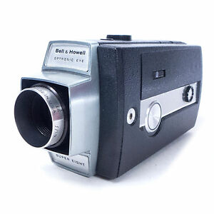 Vintage 1960's BELL & HOWELL Autoload Super Eight 431 Movie Camera w/ Carry Case