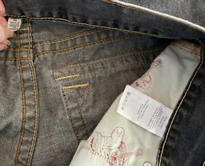 True Religion Brand Jeans World Tour Section Straight Seat Mens 34x32 Distressed