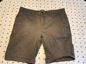 Timberland Shorts Herren kurze Hose Gr. W36 beige getragen mit Farbmängeln
