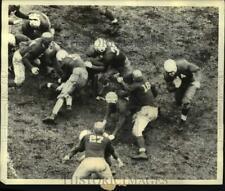 1937 Press Photo Yale's Clint Frank Runs Football Against Harvard At Cambridge