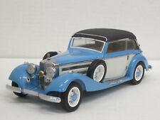 Mercedes-Benz 540 K 1936 geschlossenes Cabrio in blau/weiß, CMC, 1:24, OVP