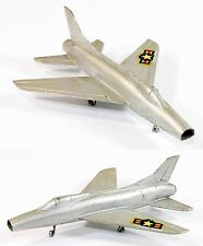SOLIDO avion SUPER SABRE / jouet ancien