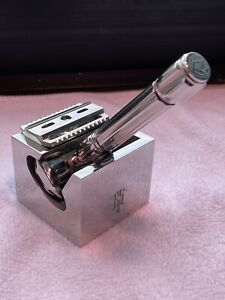 Raw Shaving RS-10 razor with RS-5 stand