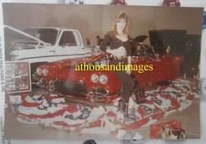 Photo Sexy Redhead Woman Cleavage Belly Classic Vintage Red Corvette CJ61