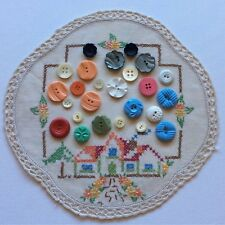 Collectable Sewing Buttons Shell Mother Pearl Glass Assorted Lot x 25 FREE Doily
