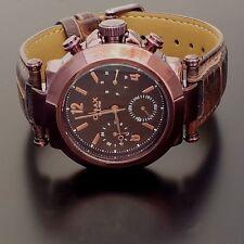 Runde OMAX Armbanduhren mit Datumsanzeige