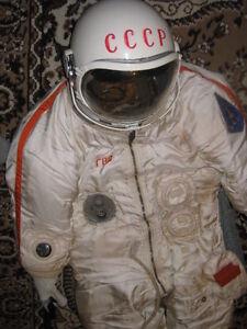 Original Soviet  RUSSIAN EVA SPACE SUIT BERKUT SPACE VERY ULTRA Extra RARE 1965
