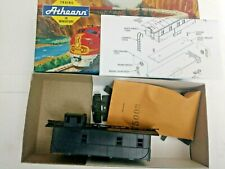 HO Scale Athearn Undecorated Cupola view Caboose   Kit