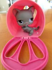 '05 Hasbro LPS Gray Short Hair Cat, #74, w/Blue Dot Eyes & Pink Pet Carrier '08
