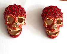 Butler Y Wilson Grande Color Rojo Cristal Cráneo Tachuelas Pendientes Nueva