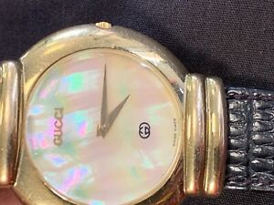 Gucci 5300M Mother of Pearl Dial Wrist Watch