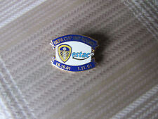 LEEDS United v Estac TROYES UEFA Cup 2001 Round 2 FOOTBALL Pin Badge
