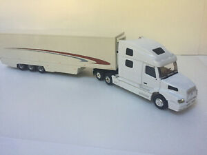 1/43 Eligor Truck Volvo 770 white and Motorart semi trailer Volvo