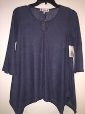 Wilde Blue Blouse Top Shirt Textured Silver Keyhole New NWT 3/4 sleeves Small
