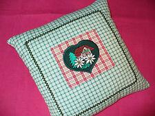 Trachten Kissen gefüllt 28 x 28 Applikation Edelweiß Herz grün kariert Karo rot