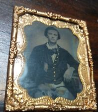 Young Union Civil War Soldier Tintype Brass Mat & Glass, no case, tinted buttons